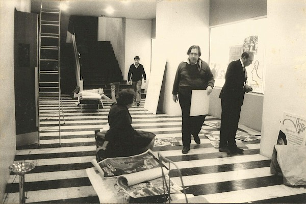 Garga and Henri Langlois prepare for the exhibition at the Cinematheque, in 1969. Seated on the bench is Lotte Eisner.
